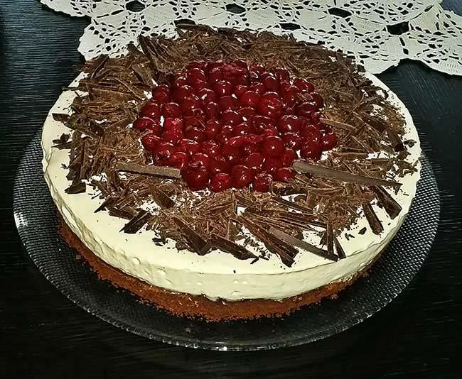 Čokoladno-višnjeva torta