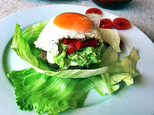 LCHF Burgerji z jajci