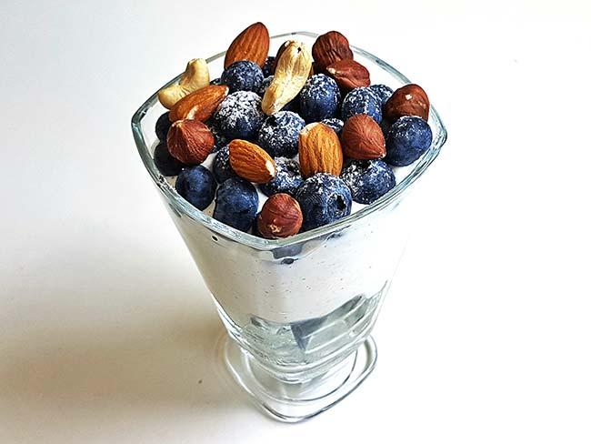 Jogurtova sladica v lončku
