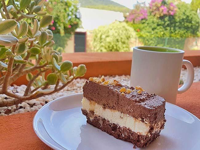 Čokoladno-vaniljeva torta za rojstni dan