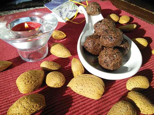 Čokoladne kroglice brez peke