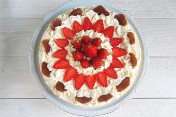 Torta z belo čokolado