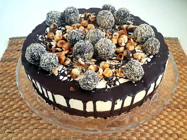 Torta s čokoladnim moussom in belo čokolado