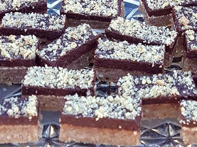 LCHF čokoladno-orehove rezine